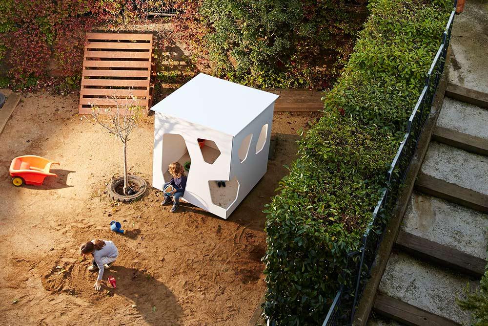 maisonnette de jardin smartplayhouse modern luxury playhouses for kids. Black Bedroom Furniture Sets. Home Design Ideas