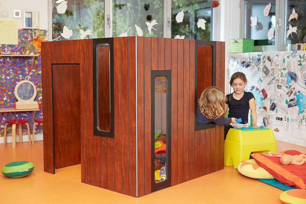 casita de madera de interior