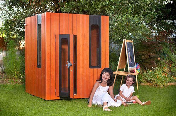Kinderhaus garten auf Sperrholz